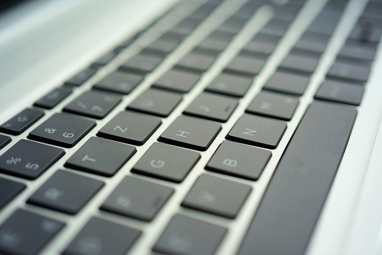 Keyboard Computer Laptop Technology  - webandi / Pixabay