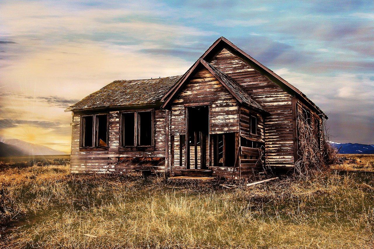 Old Farmhouse Decay Farmhouse Old  - Myriams-Fotos / Pixabay
